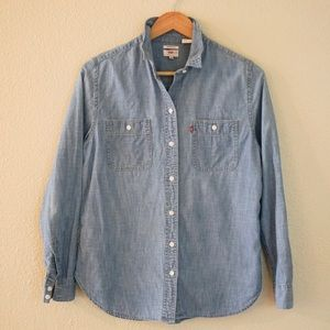 Levi's Chambray Button Down